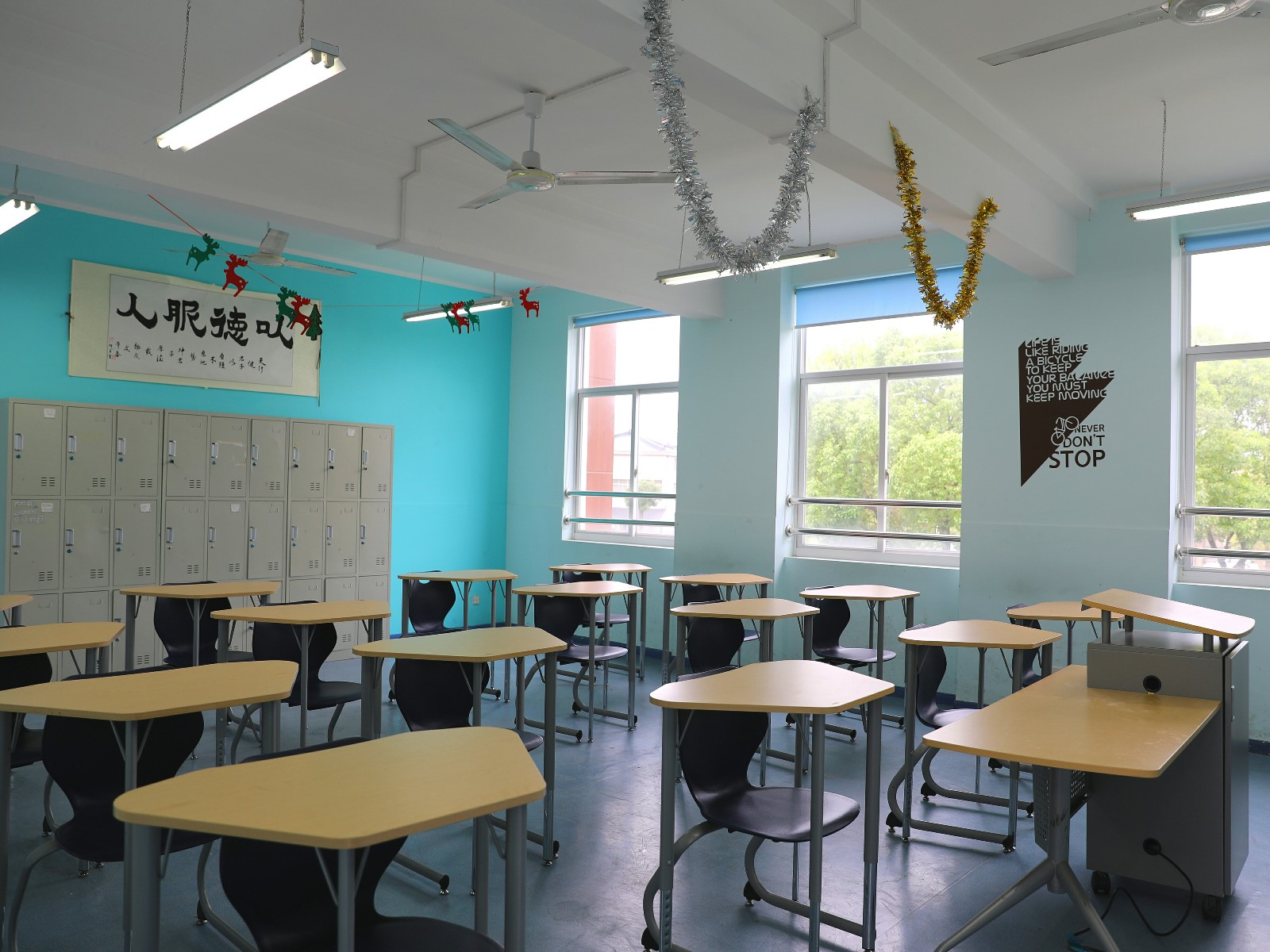 斯代文森教室一览(左).jpg