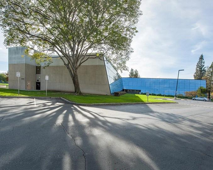 斯代文森国际高中硅谷分校校区外景 (左).jpg